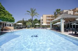 mac-paradiso-garden-pool