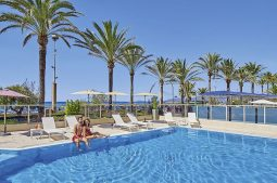 riviera-playa-pool
