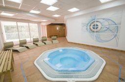 azuline-hotel-bahamas-whirlpool
